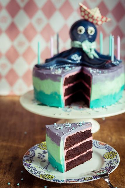 Der Kuchen ist eine Buttercreme Schoko Kombination