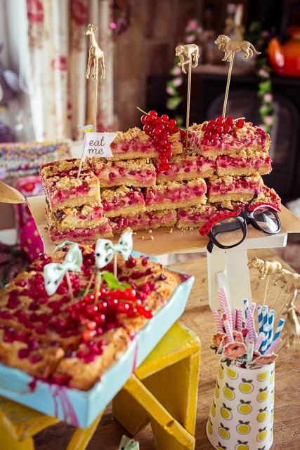 Die goldenen Cake Topper passen hier ganz toll