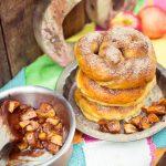 Soft Cinnamon Pretzel mit Apfelfüllung