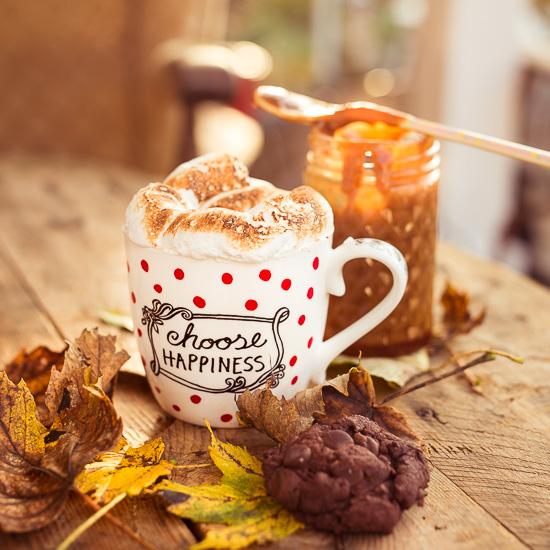 Ne heiße Schokolade mit Marshmallow Frosting. Natürlich eignet sich meine eigene Tasse aus meinem Shop dafür am Besten :-)